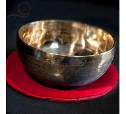 Bol chantant tibétain, OM