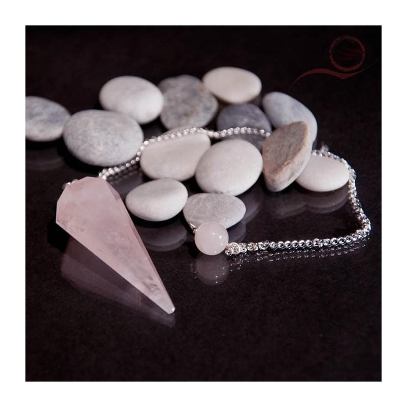 Pendule en quartz rose à facettes