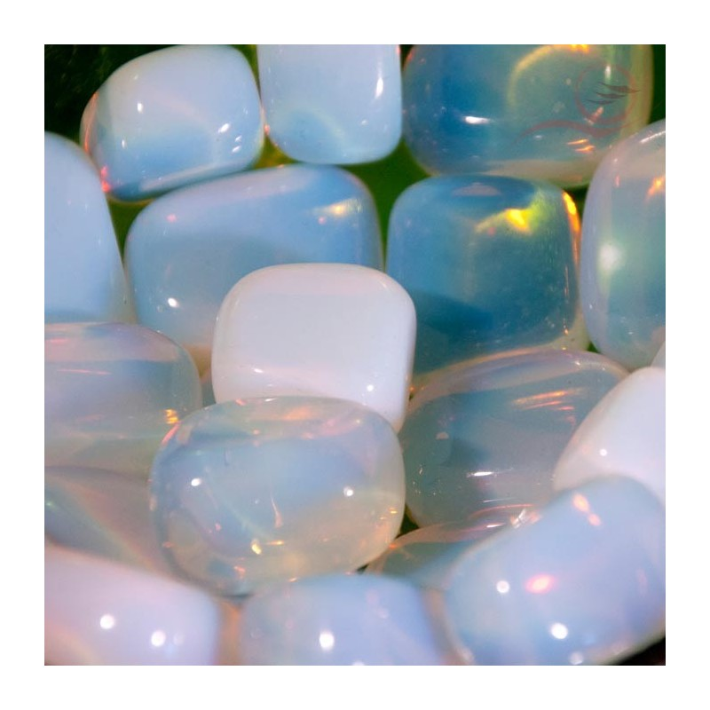 1 pierre roulée d'opaline bleue