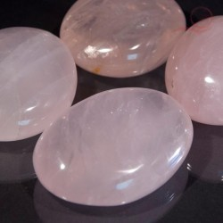 galets  en quartz rose