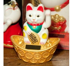 Chat Maneki Neko, blue piggy bank