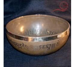 bol tibétain gravé avec le bouddha de la médecine à lyon