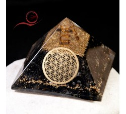 Orgonite pyramid in tourmaline and flower of life: