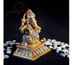 Statue Ganesh, doré et perle 14cm