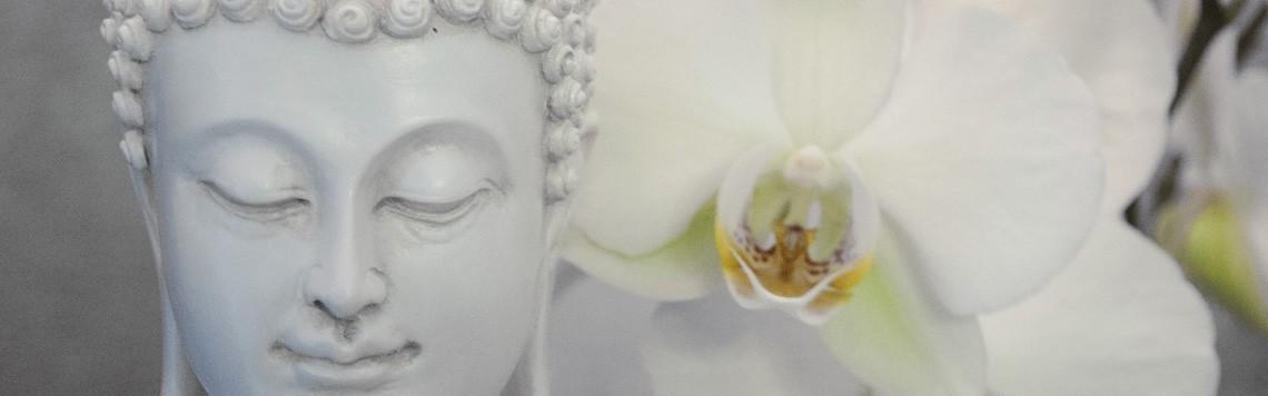 Gamme de sculptures asiatiques, bouddha